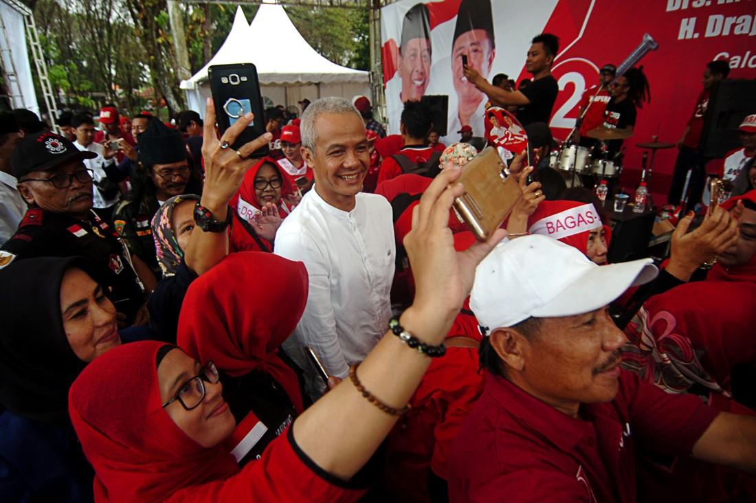 C. Java leaders broke law by endorsing Jokowi: Bawaslu