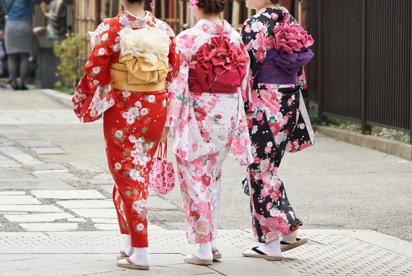 Learning kimono with the masters