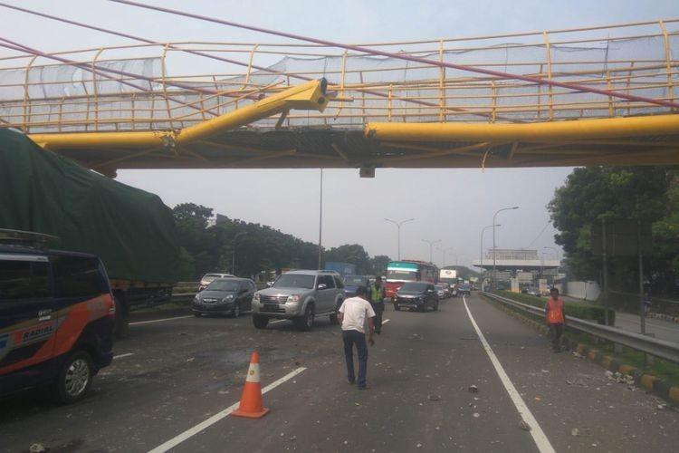 Oversized trailer crashes into bridge, no casualties reported