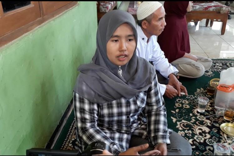 Voting for Ridwan Kamil gets West Java teacher fired