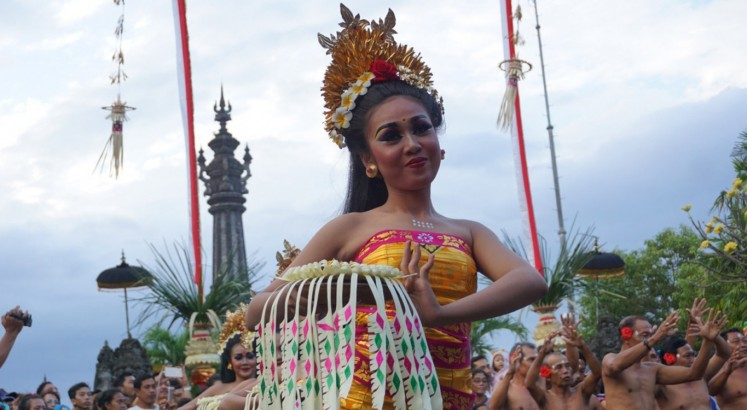 One month-long Bali Arts Festival kicks off with multicultural parade