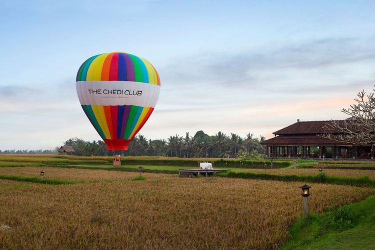 Bali hotel offers hot air balloon rides