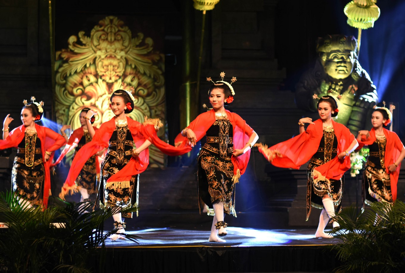 Beskalan is a welcome dance from Malang, East Java.