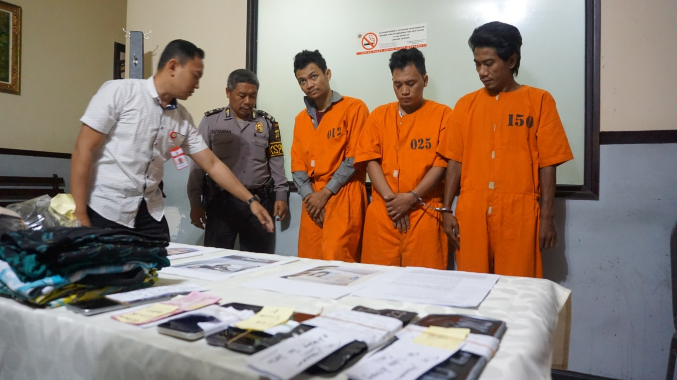 Serial bag snatchers targeting tourists nabbed in Kuta
