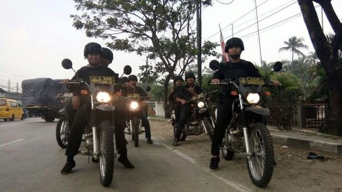 Five arrested, two shot for allegedly stealing from Jokowi administration staff member