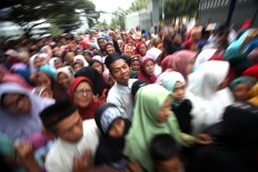 Thousands of people from the Yogyakarta area lined up from early in the morning. JP/Boy T. Harjanto