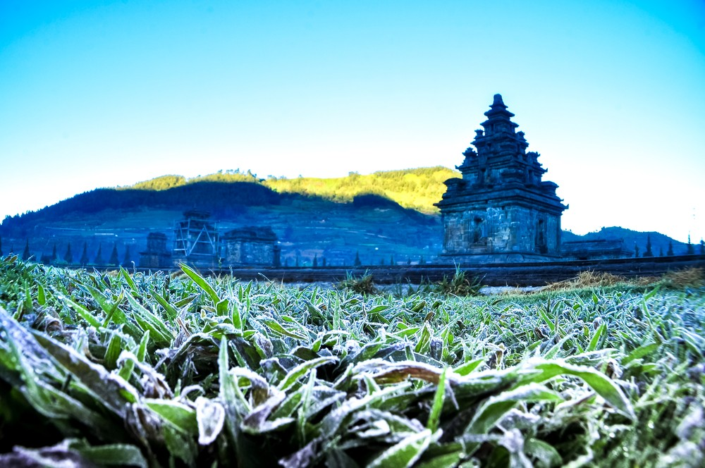 Tourists, hikers warned about cold weather at Dieng Plateau, Mt. Semeru