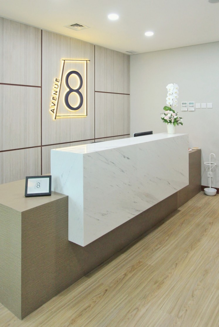 Avenue8 Concierge provides services for customers such as arranging transportation, making restaurant reservations, buying coffee or lunch and mailing packages.