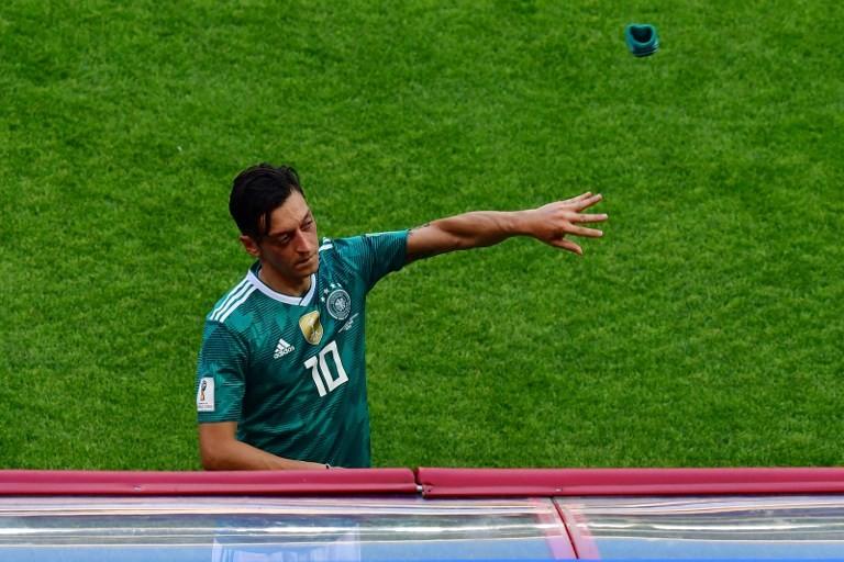 'Scapegoat' Ozil should quit German team: father
