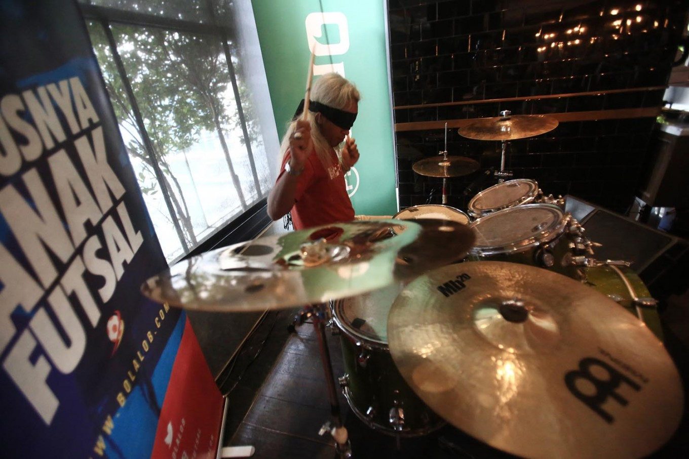 Indonesian drummer to play for 24 hours at World Cup Final
