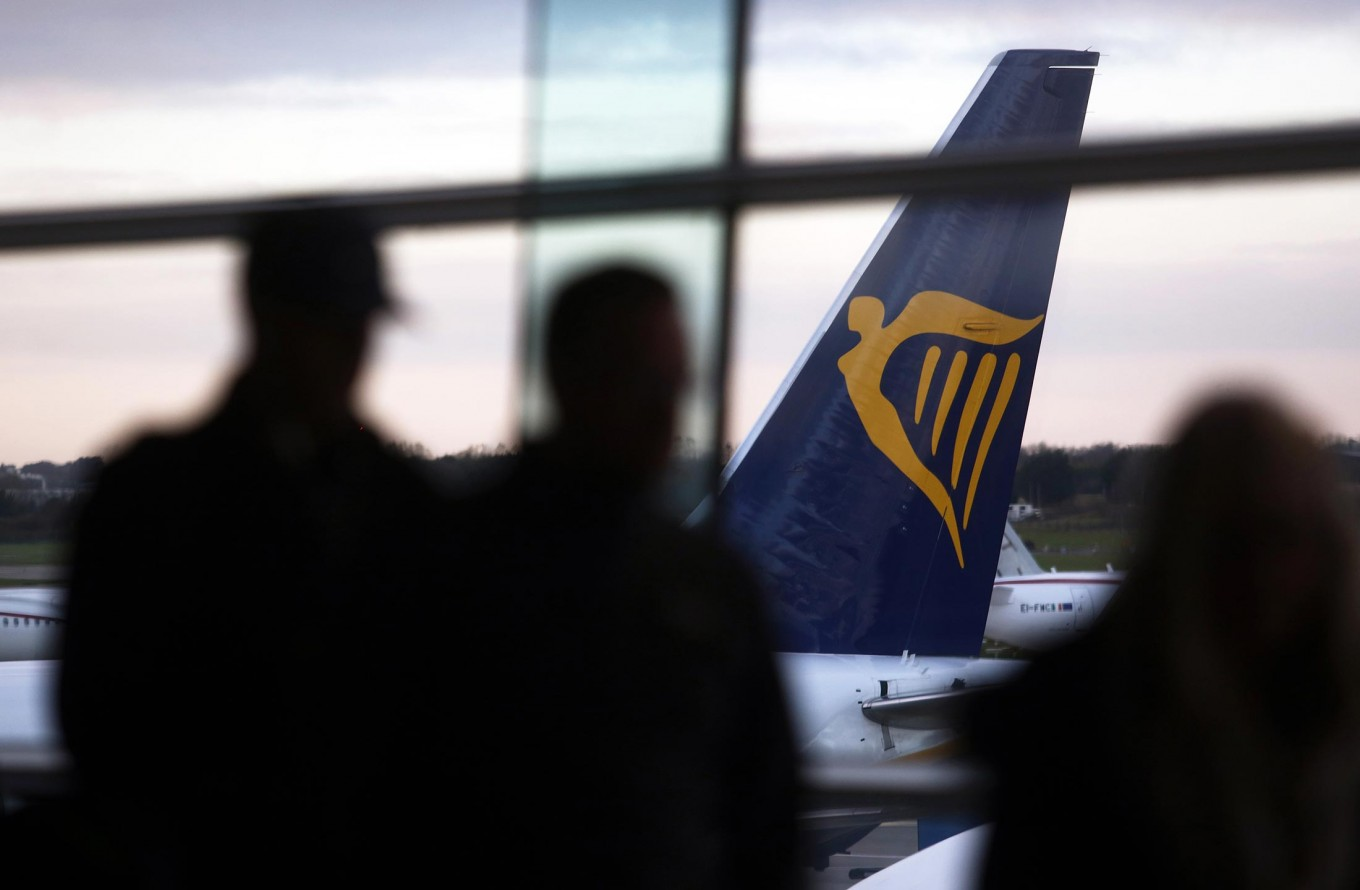 Ryanair is first airline to become a top-10 polluter in Europe