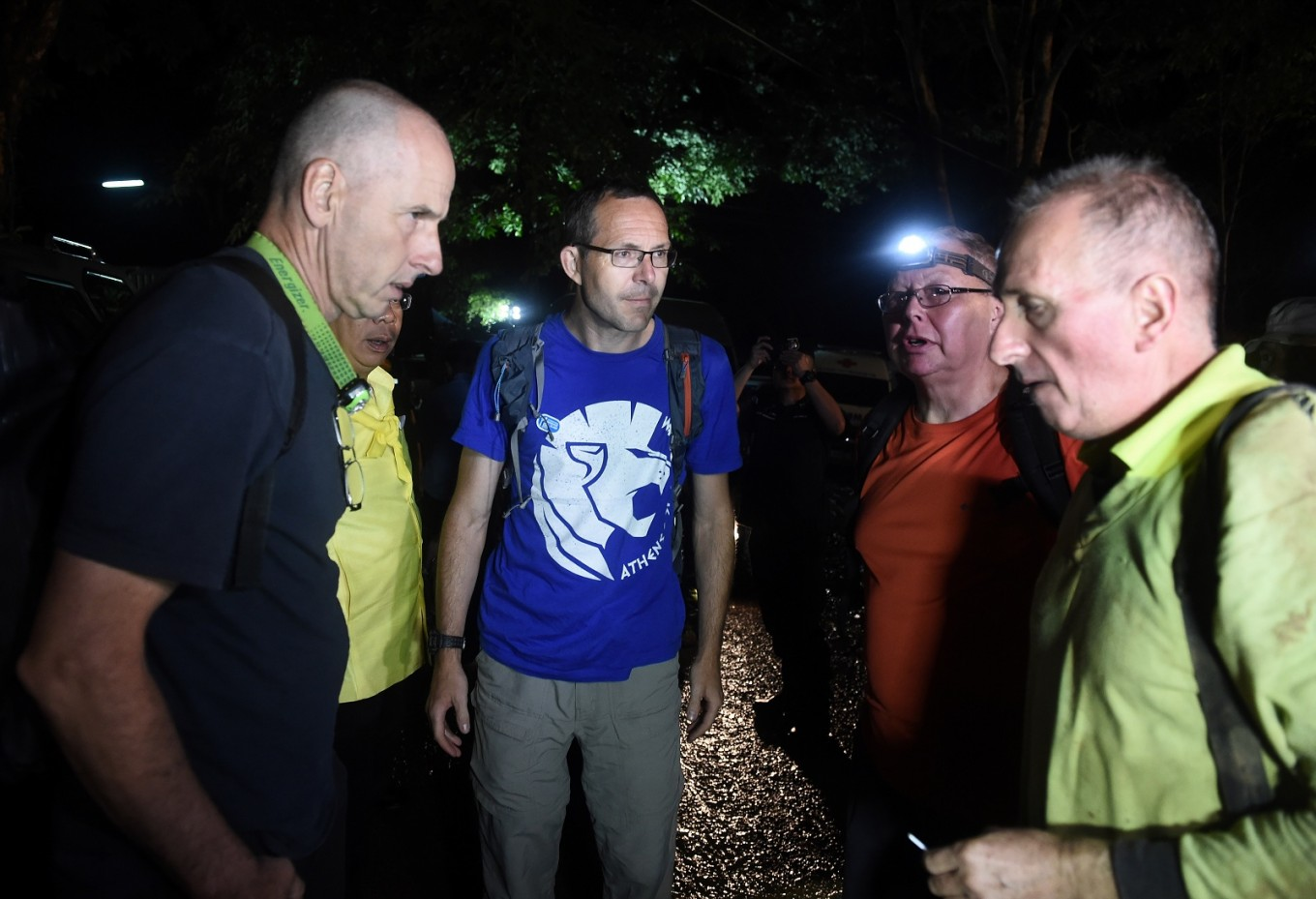British divers not heroes, just relieved, after Thai cave rescue