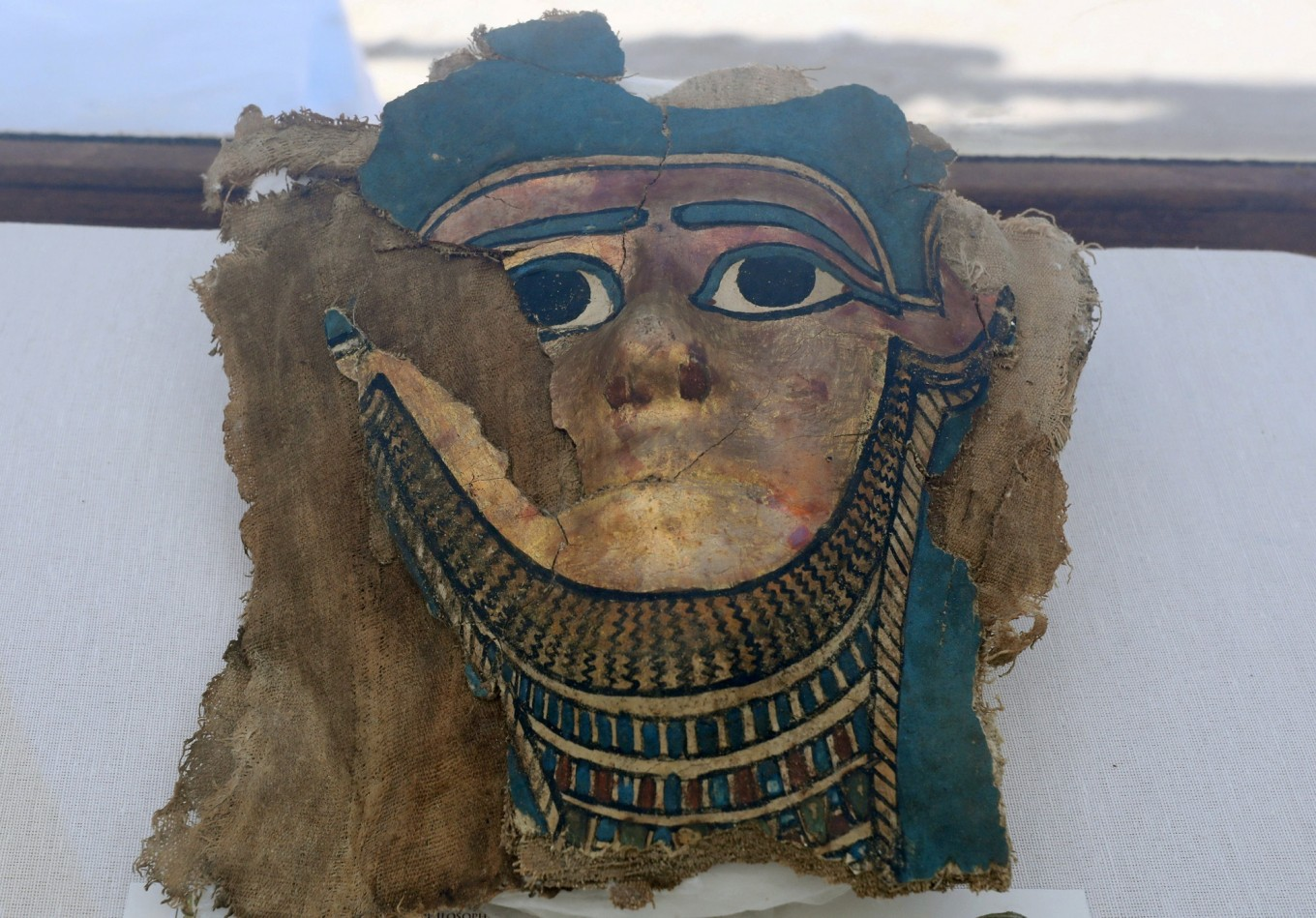 Egypt uncovers mummy burial site near Great Pyramids