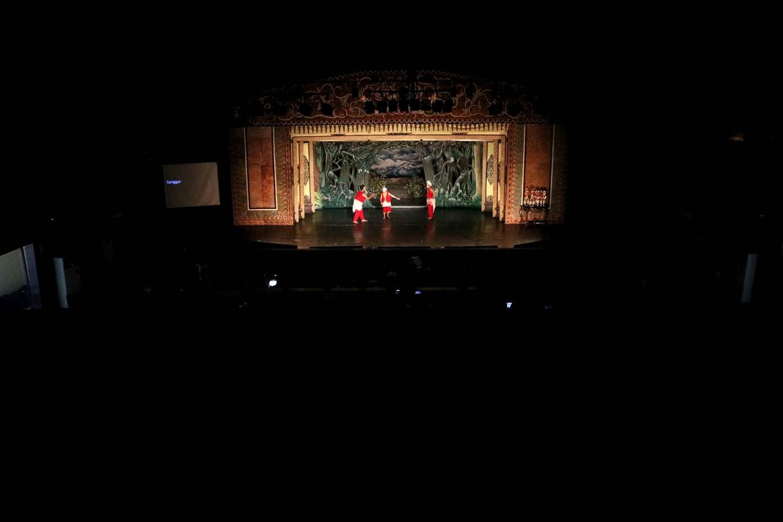 The children perform at the Sriwedari theater in Surakarta. JP/Maksum Nur Fauzan