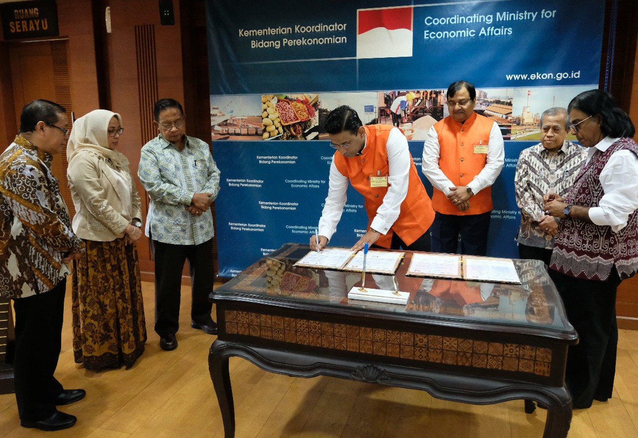 Indonesia, India sign business-to-business agreement on palm oil