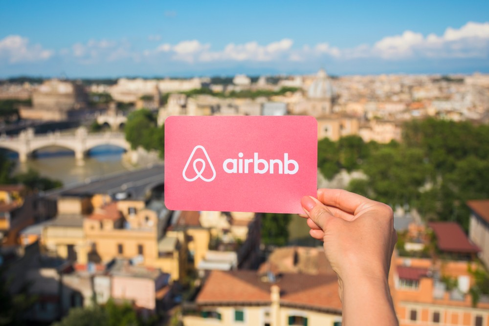 New York City hotels beat Airbnbs in report on accommodations in US