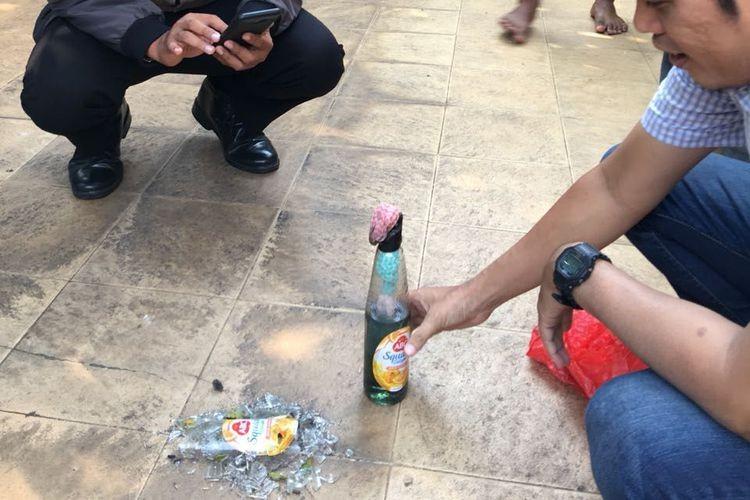 Molotov cocktail reportedly hits PKS politician's residence in Bekasi