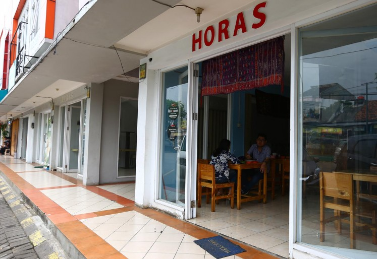 Horas serves traditional Batak cuisine.