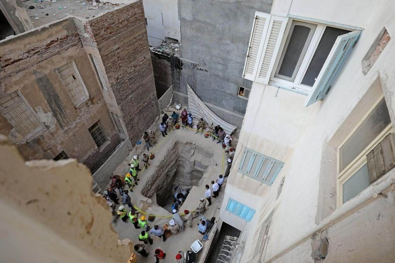 Ancient Egyptian sarcophagus opened in Alexandria
