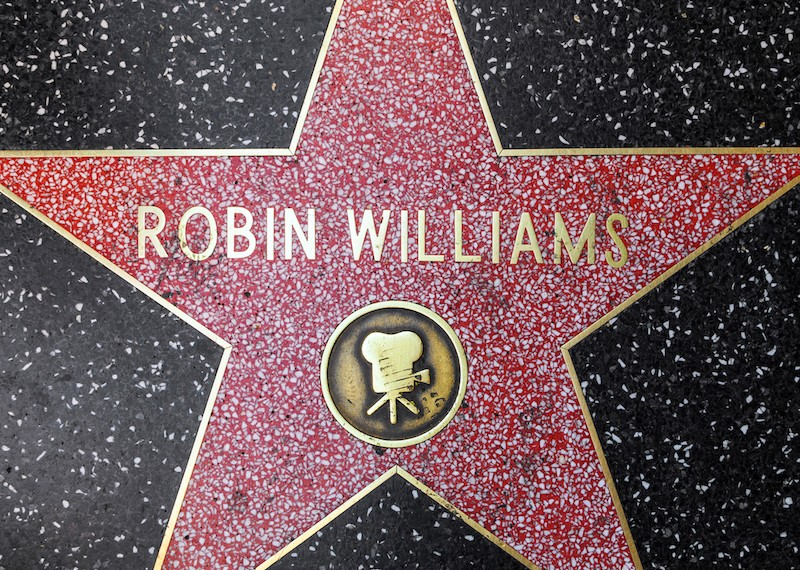 Robin Williams' Golden Globes, 'Dead Poets' watch up for auction