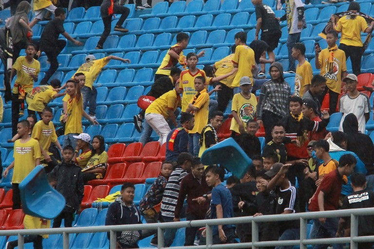 Indonesia soccer fans damage Asian Games stadium