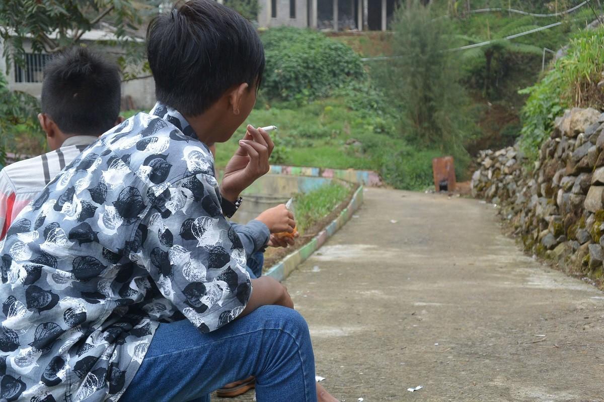In this tobacco village, smoking 'kretek' is rite of passage