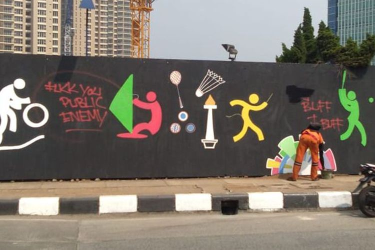 Unfinished Asian Games Murals Vandalized With Graffiti