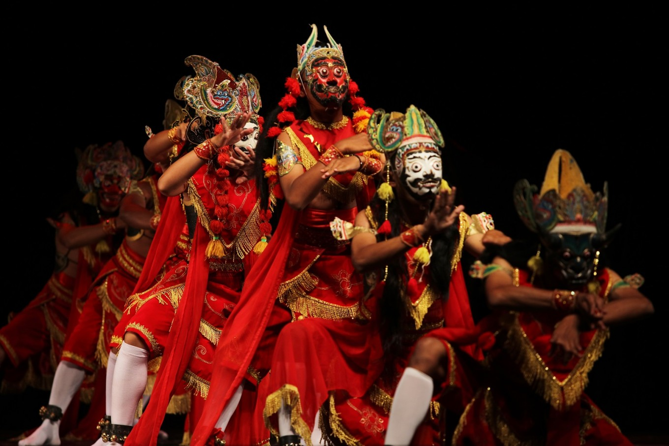 Foreign artists take part in theatrical Panji performance in Kediri