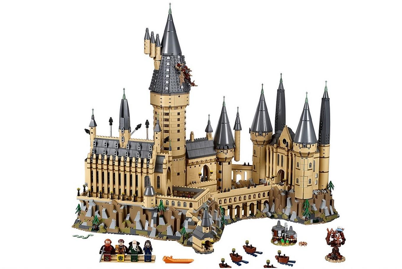 lego boasts new 39 highly detailed 39 harry potter hogwarts castle lifestyle the jakarta post. Black Bedroom Furniture Sets. Home Design Ideas