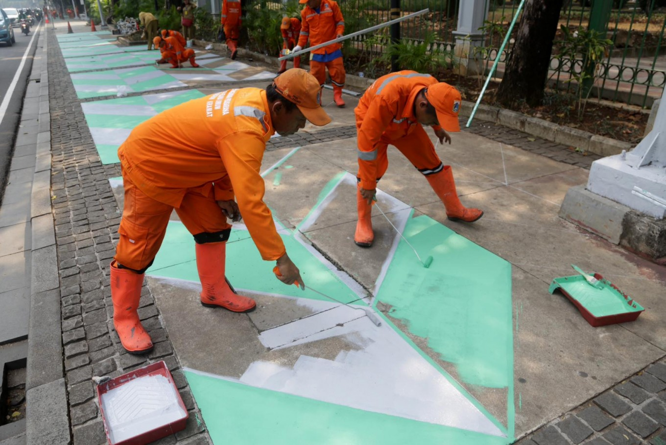 Jakarta sets aside Rp 474 billion to build, revamp sidewalks
