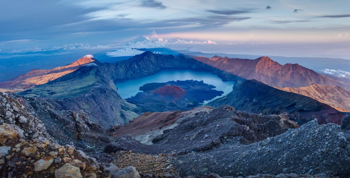 More than 1,000 hikers evacuated from Mt. Rinjani