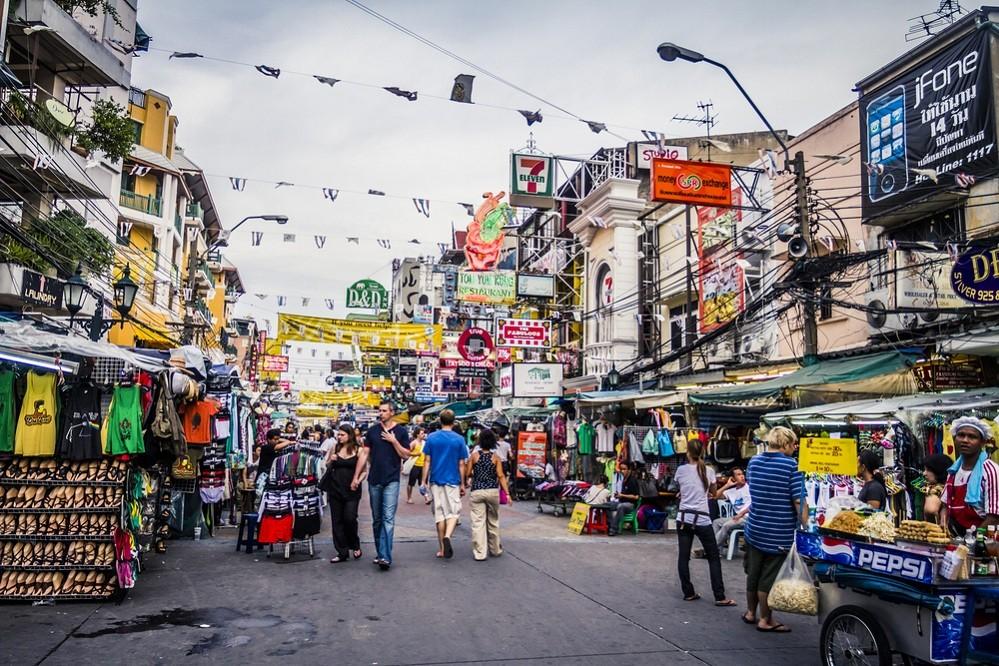 Bangkok vendors call on authorities to scrap ban on roadside stalls