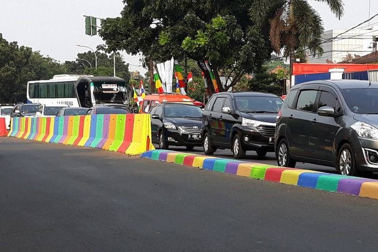 Colored road separators should be only temporary: Police