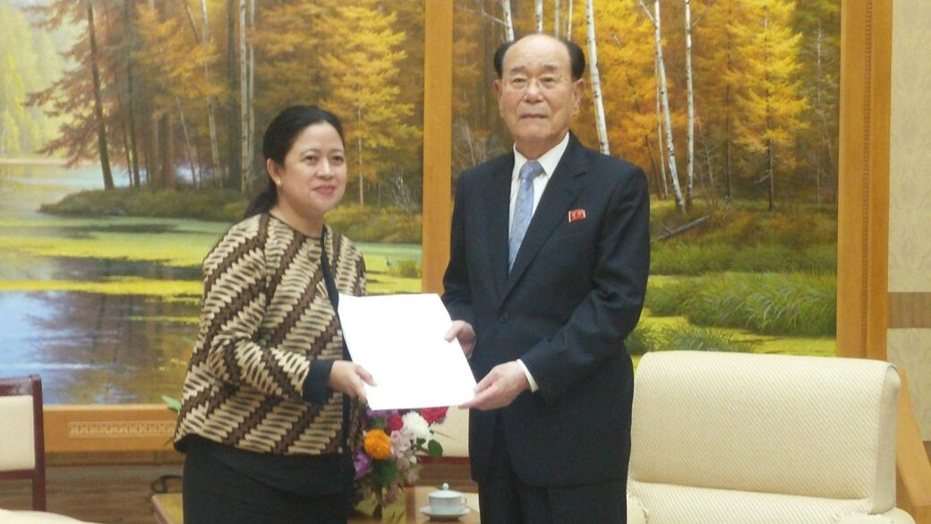 Puan delivers invitation to Kim Jong-un to attend Asian Games