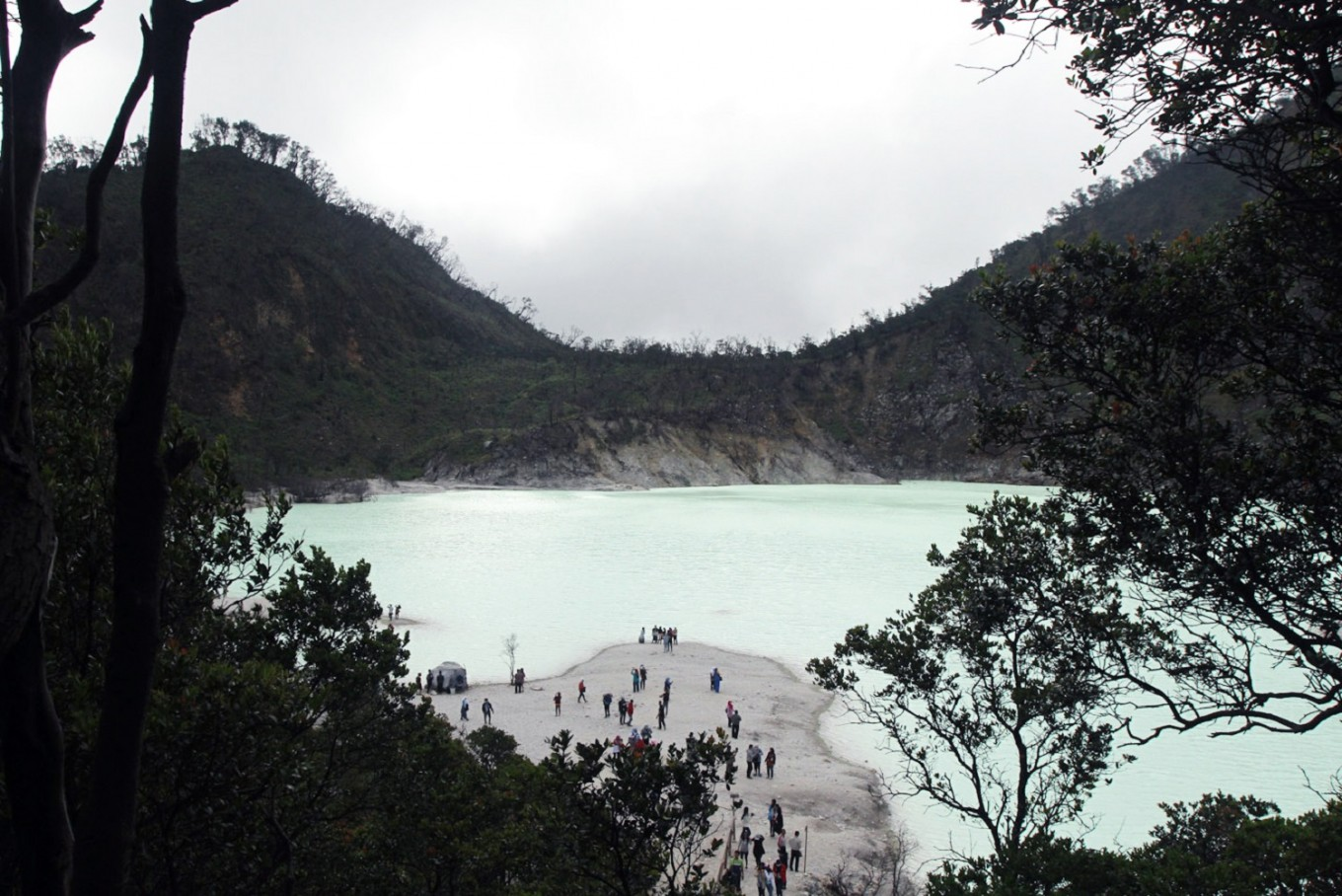Kawah Putih is a recommended tourist attraction in Bandung, West Java.