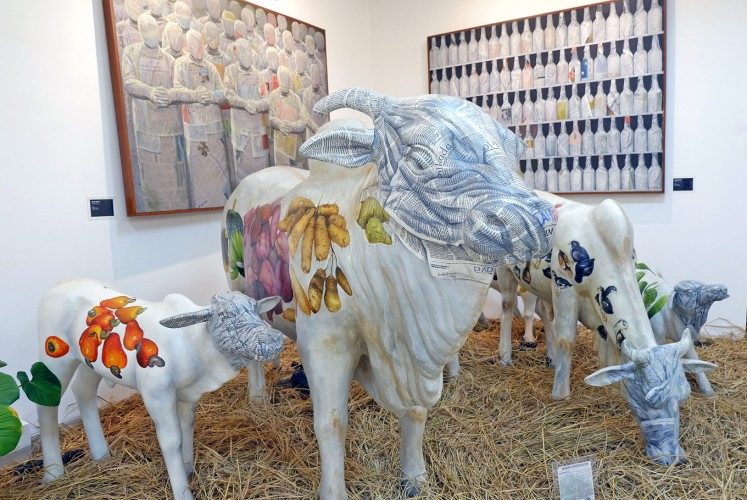 "Cow sculptures by Budi ""Ubrux"" Harsono"