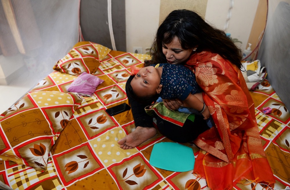 Indian mothers campaign to end breastfeeding stigma