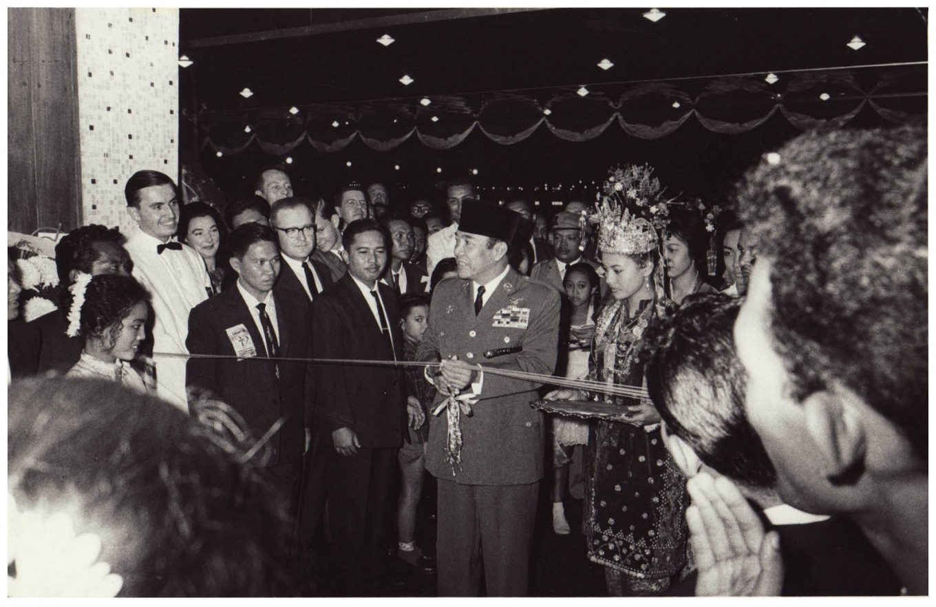 President Sukarno officiated the opening of Hotel Indonesia on Aug. 5, 1962.
