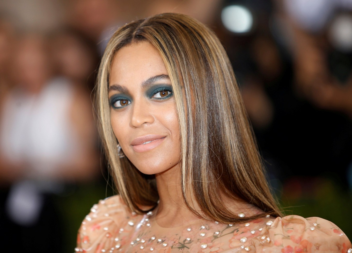 Beyoncé to lead Mandela tribute concert
