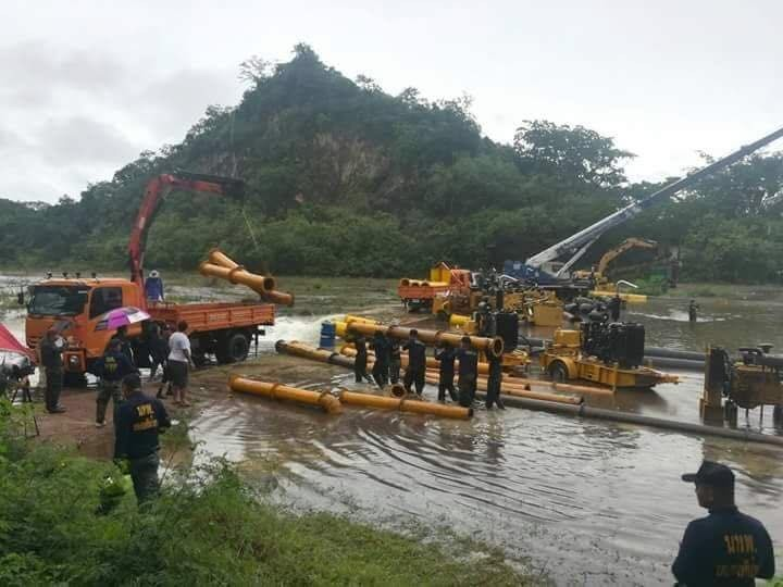 Some 450 soldiers have also been mobilized to help people living alongside the river to move their belongings to higher ground.  Sandbags have also been piled up as a precaution.