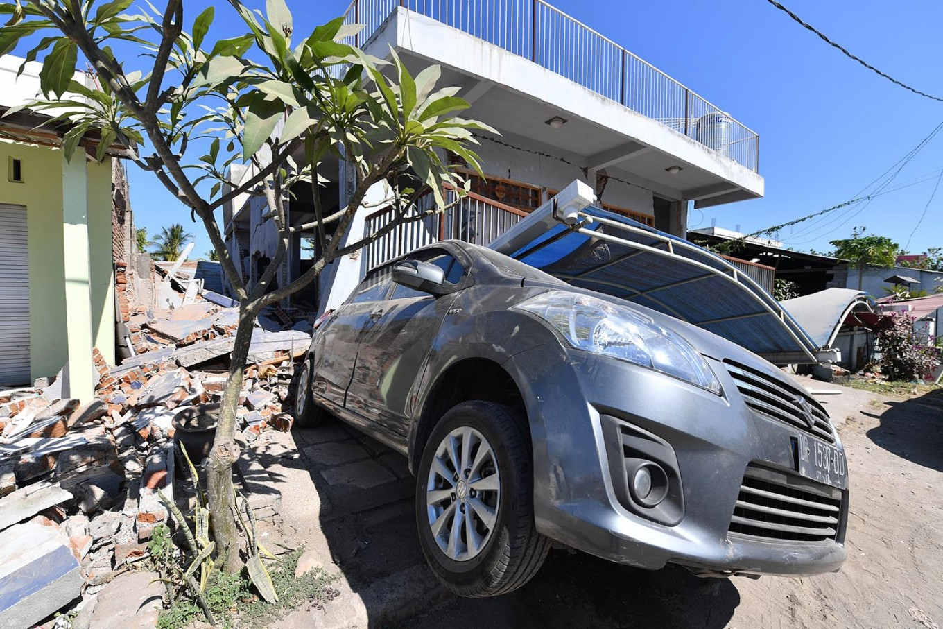 More than 70,000 homeless after deadly Lombok quake