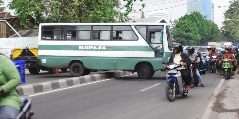 Public minibuses banned from business hub during Asian Games