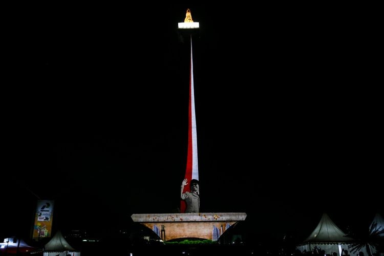 Stage, sound system available for use for free at Monas every weekend
