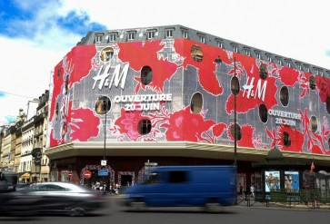 H&M revamps online shopping experience