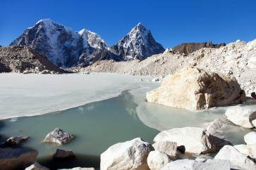 Remote China glacial lake bursts, no casualties