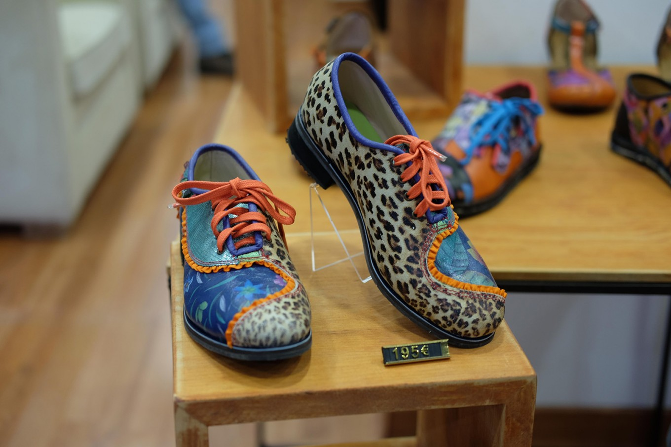 Funky, handmade leather shoes from Piel/Piel in Málaga.