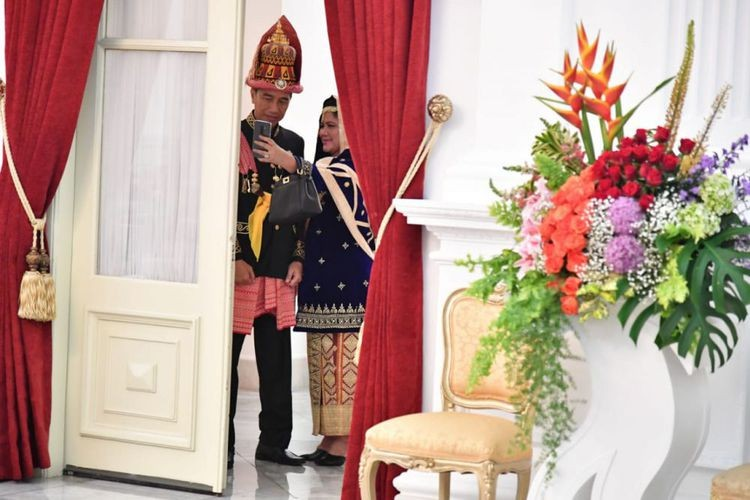 President, first lady celebrate Sumatran culture on Independence Day