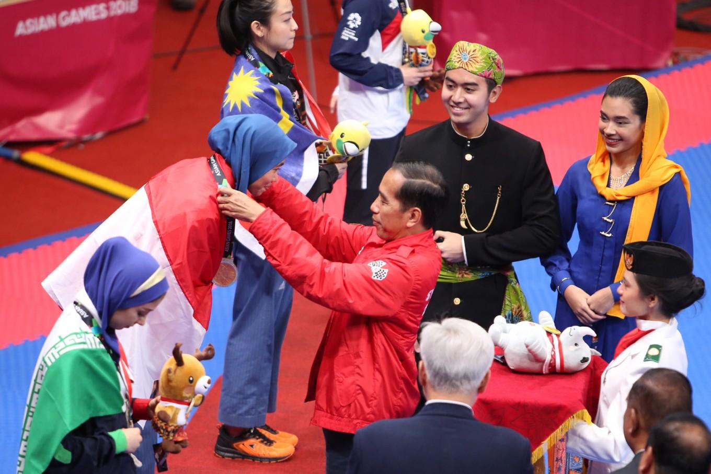 Jokowi upbeat Indonesia will surpass Asian Games target