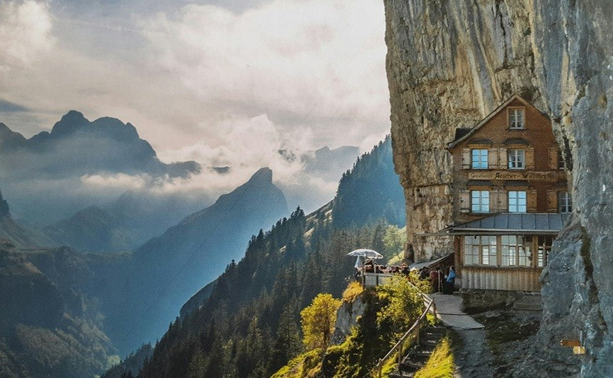 Cliffhanging Swiss restaurant seeks new managers