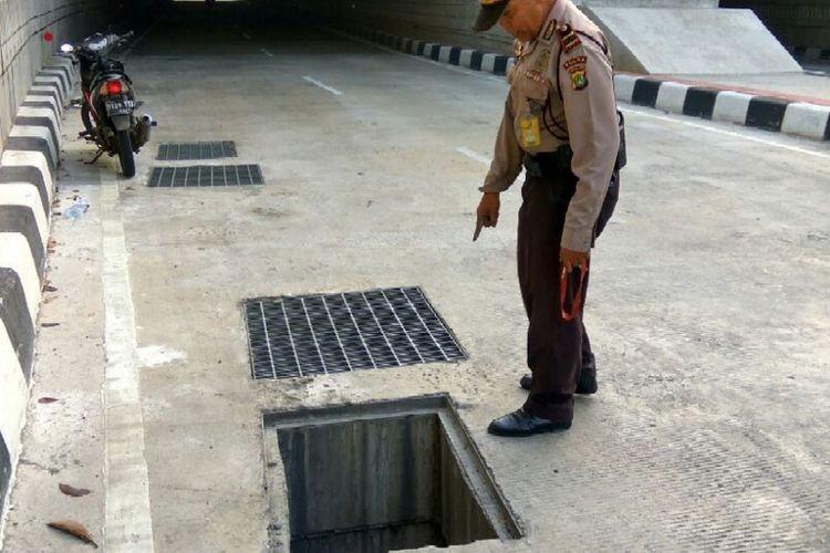 CCTV installed along South Jakarta underpass after 25 manhole covers stolen